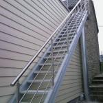 Escalier extérieur droit