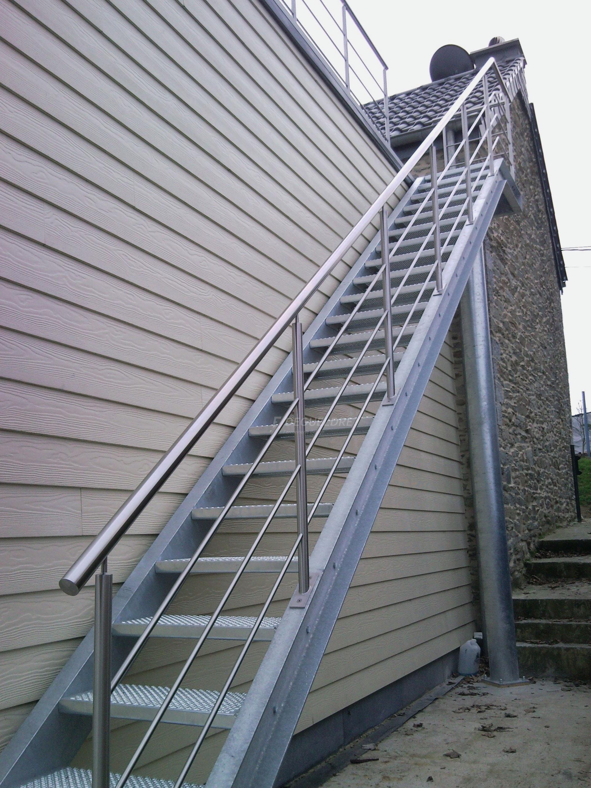 Escalier metallique exterieur degueldre ferronnerie d 39 art for Escalier metallique exterieur prefabrique