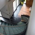 Escalier tournant verre